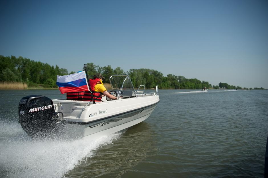 хороший эхолот на моторную лодку